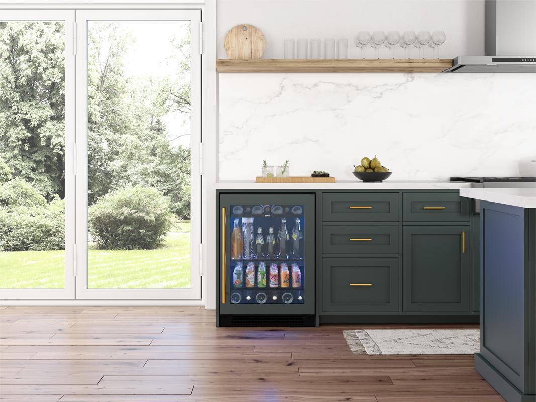 PRB24C01BPG; Zephyr Presrv™ Panel Ready Single Zone Beverage Cooler